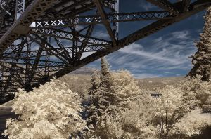 columbia-gorge-bridge-infrared-gottlieb-photo-tours.jpg